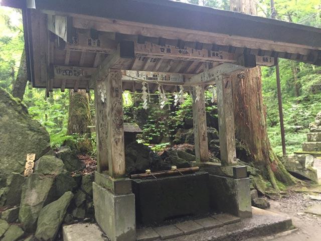 十和田神社 手水屋